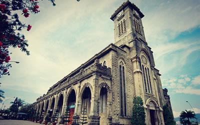 Nhà Thờ Đá (Nhà thờ Núi) Nha Trang