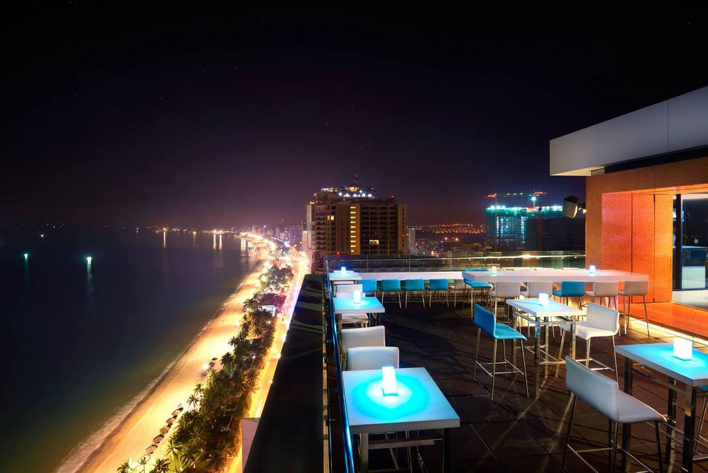 Altitude Rooftop Bar tầng 28 Sheraton