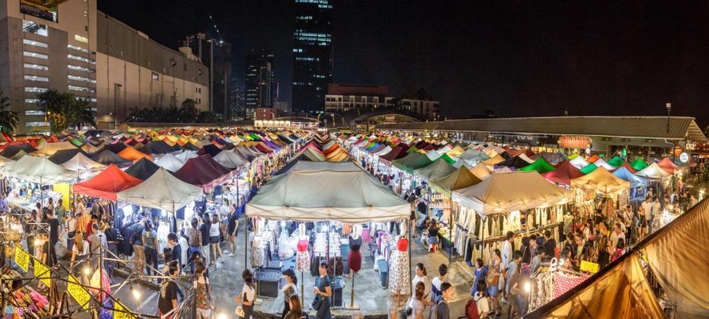 Chợ đêm Nha Trang nhìn từ trên cao