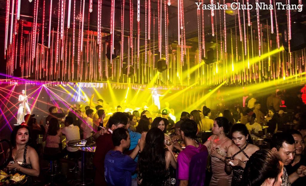Quẩy ở Yasaka 008 Club